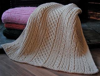 Easy-Aran-Blanket