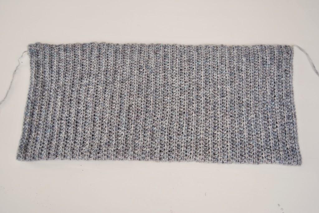 Knitting Pattern Central Shrugs : Basic Shrug Pattern   How Lovely! - Loom Knit Central